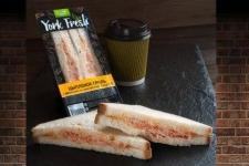 Сэндвич с цыпленком гриль в пикантном соусе
