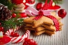 <p>Как правило, праздники любят все, будь то Новый год, 8 Марта, День Рождения, либо другой знаменательный день. Для тогочтобы все прошло торжественно, красиво и, конечно же, вкусно, заботливые хозяйки готовятся заранее. Ипраздничное меню здесь-важная составляющая торжества,вкоторомсладкие угощения занимают свое почетное место. В данномразделе вынайдете все самое необходимое для приготовления и украшениясладкой выпечки - всевозможные тематические вырубки для печенья, силиконовые формы для выпечки, формы для конфет и шоколадных украшений, штампы для мастики и многое другое.</p>